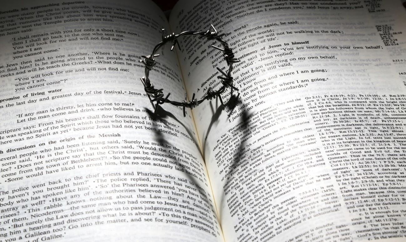 A Symbolic Crown of Thorns and the Bible